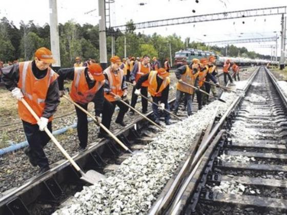Минобороны: железная дорога в обход Украины строится с опережением графика