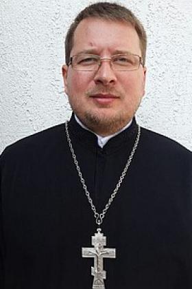 Украинский священник получил два пулевых ранения головы на улицах Киева