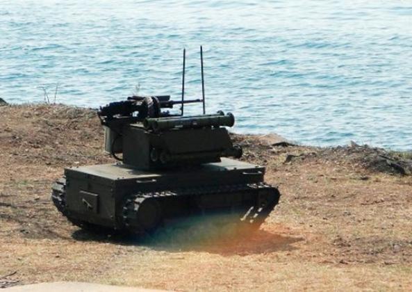 На Камчатке продемонстрировали возможности военного робота «Платформа-М»