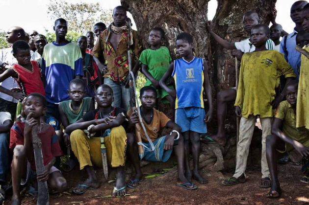 Дети-солдаты из христианского движения Anti-Balaca.