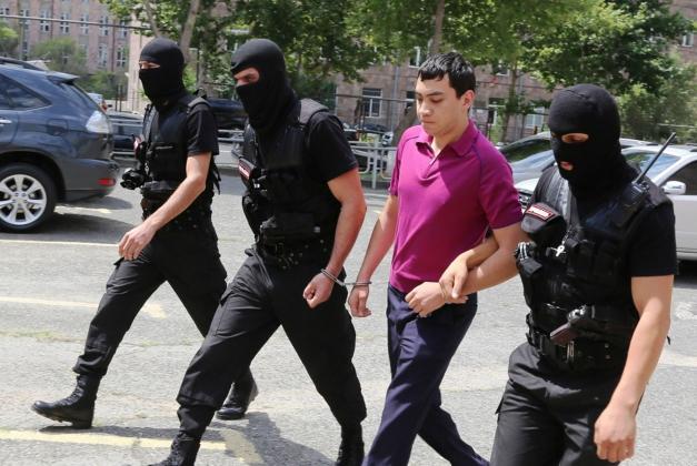 В Армении сыну скандально известного губернатора предъявлено обвинение