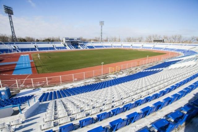 Стадион Центральный в Астрахани фото: stadiums.at.ua