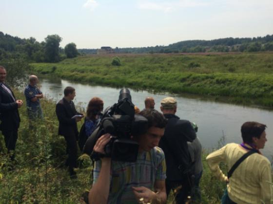 За забор на берегу подмосковной реки— штраф до 100 тысяч рублей