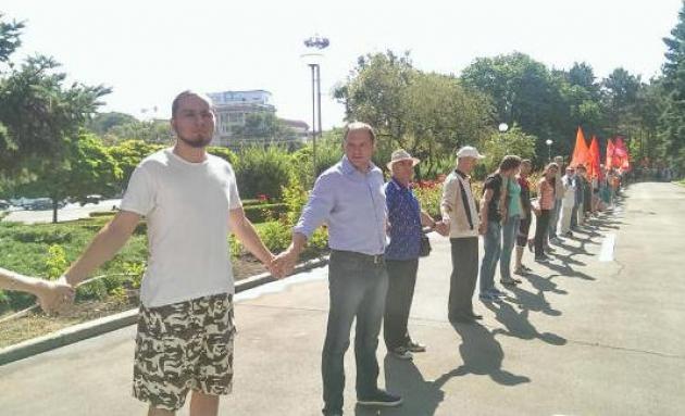 Молдавия: оппозиция взяла в кольцо здание правительства