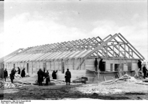 Строительство концлагеря Саласпилс в 1941 г. Иллюстрация: Bundesarchiv Bild 101III-Duerr-053-30, Lettland, KZ Salaspils, Häftlingsarbeit