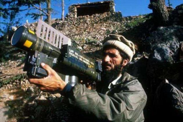Афганистан, 1980-е годы. Моджахед со «Стингером».