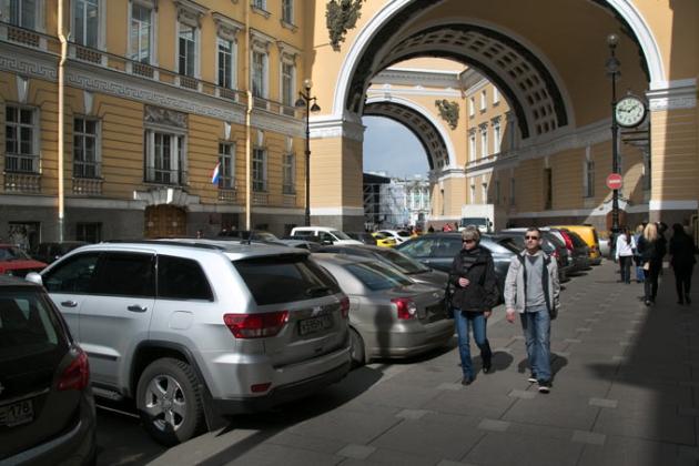 Пешеходные зоны в центре Петербурга: дьявол кроется в деталях