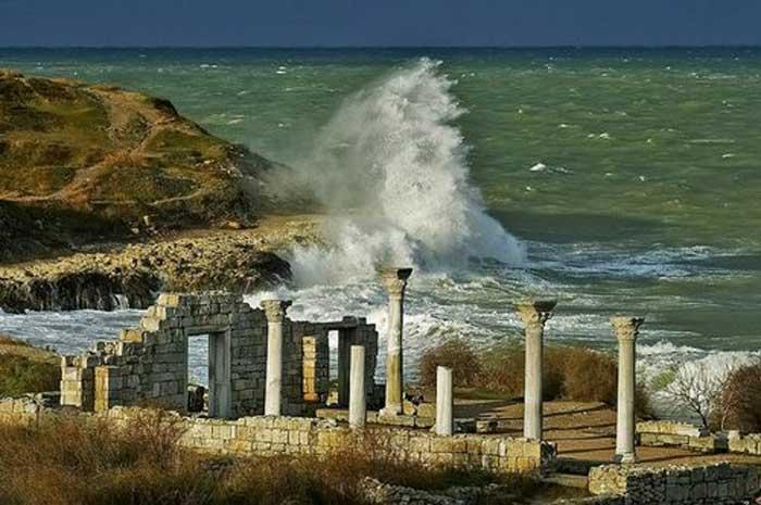 «Херсонес Таврический» город основаный греками в пятом веке до нашей эры.
