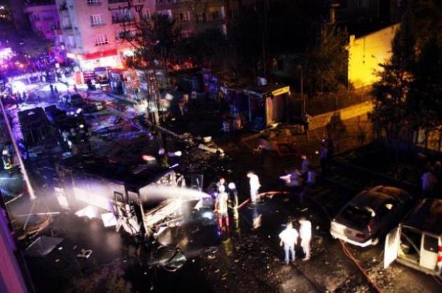 Две тонны взрывчатки в тракторе взорваны у полицейского участка в Турции
