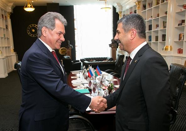 О чем говорили военные министры России и Азербайджана?