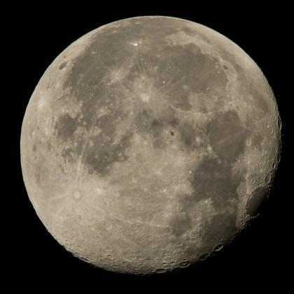 МКС нафоне полной Луны