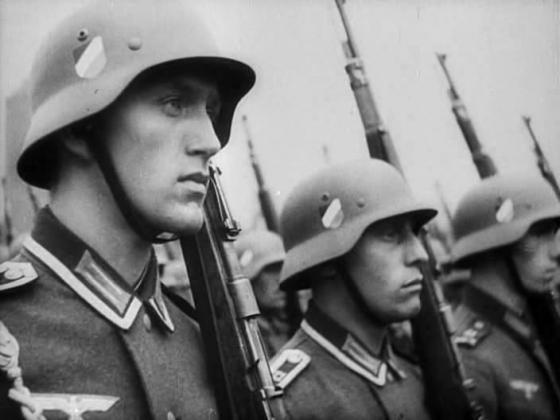 Кадр из фильма «Обыкновенный фашизм» (реж. М. Ромм, 1965)
