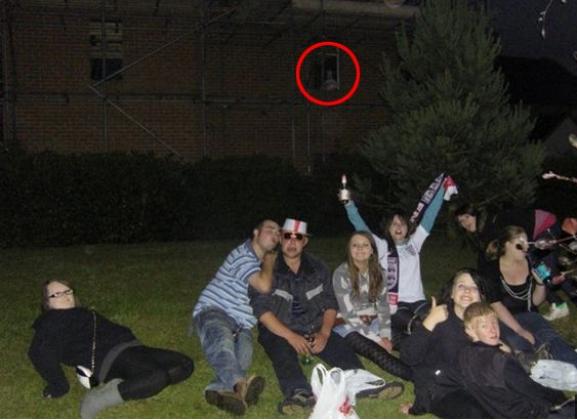 Английская актриса сделала фото с привидением