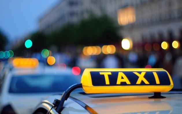 Депутат Госдумы: интернет-службы заказа такси должны работать легально