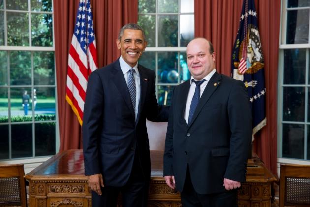 Посол Украины в США Валерий Чалый и президент США Барак Обама.
