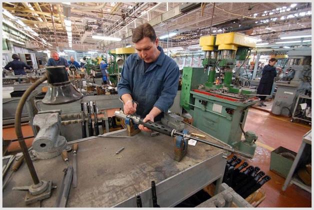 С начала года более 600 предприятий Удмуртии сообщили о сокращениях