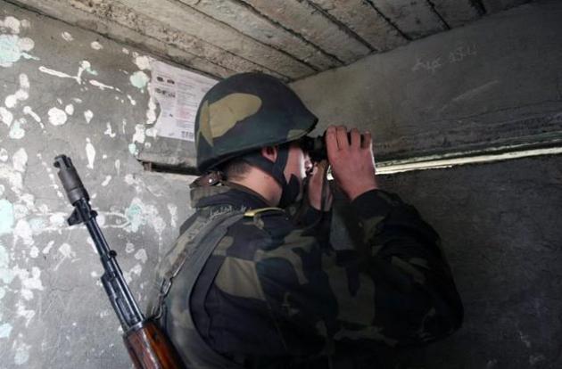 Азербайджан продолжает обстреливать границу Нагорного Карабаха