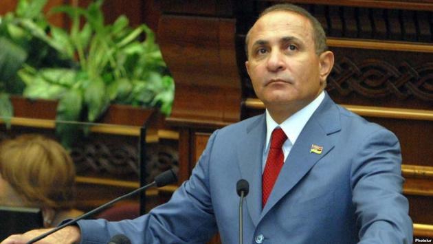 Правительство Армении отправилось на каникулы: что будет с тарифами?