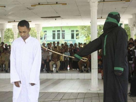 Телесные наказания в Инлонезии.