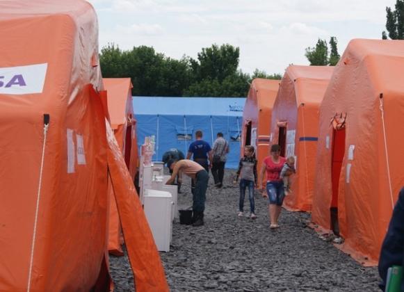 Обстрелы Донбасса привели к наплыву беженцев в Ростовскую область