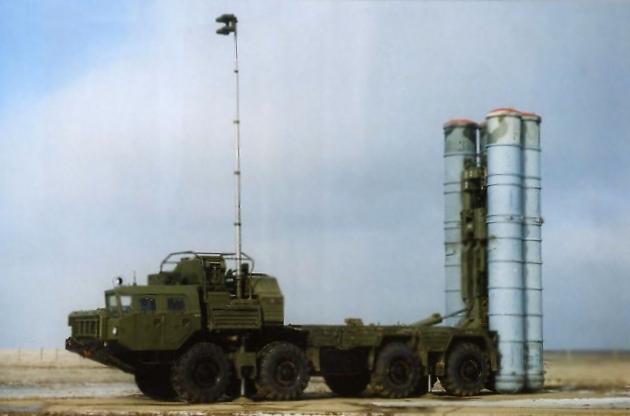 (ЗРК) С-400 «Триумф».
