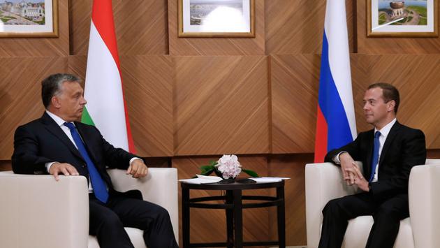 Дмитрий Медведев на встрече с Виктором Орбаном.