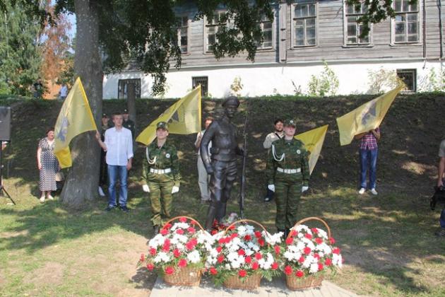 Памятник псковским солдатам Первой мировой пострадал от вандалов