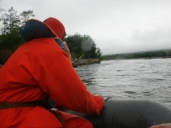 На Колыме возобновлены поиски пропавшего на реке человека, тела двоих нашли