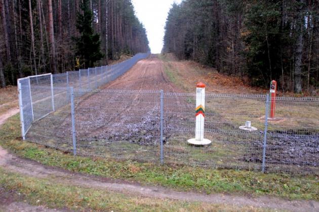 Забор между Литвой и Беларусью.