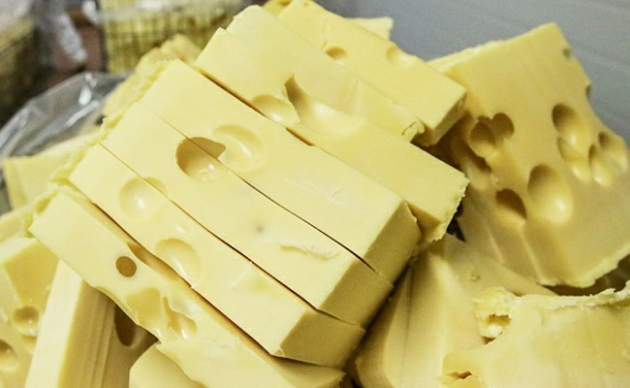 В Калуге оштрафована завмаг, торговавшая запрещенными сырами