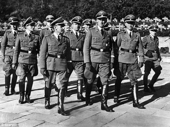 Офицеры СС в Осло (1941).