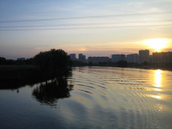 Москва река в районе Марьино.
