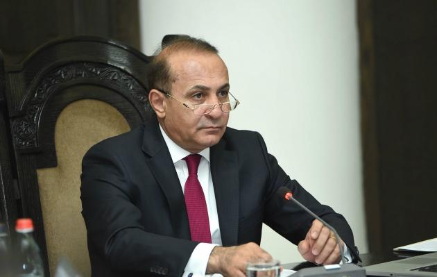 Премьер-министр Армении Овик Абрамян на заседании правительства. © Photolure