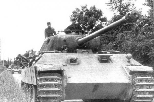 Колонна танков «Пантера».