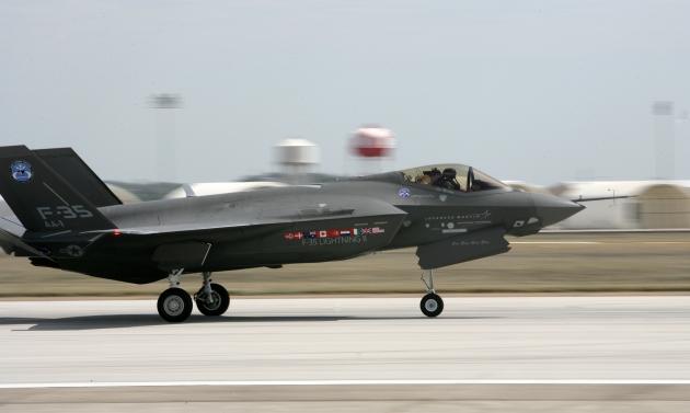 Истребитель F-35 значительно уступает советским МиГ-29 и Су-27 — эксперт