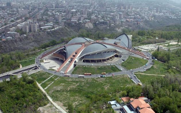Спортивно-концертный комплекс им. Карена Демирчяна в Ереване. © Photolure
