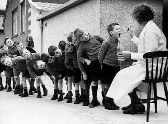 Более 1,2 тыс. маленьких астраханцев стоят в очереди в детсады