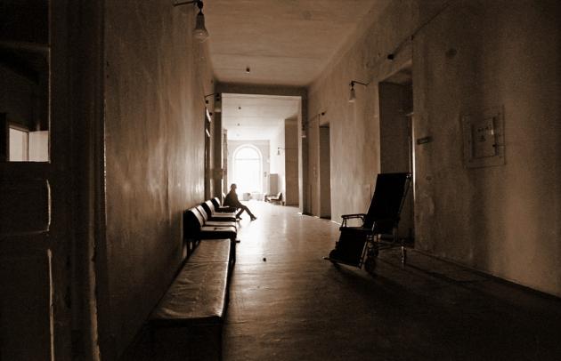 Больничный коридор.
