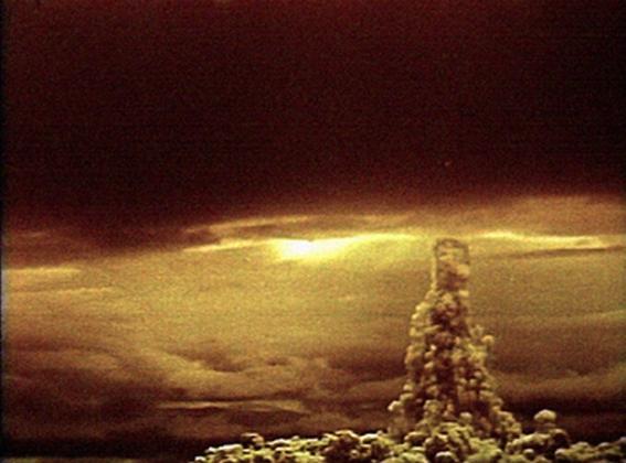 Гриб после взрыва «Царь-бомбы».