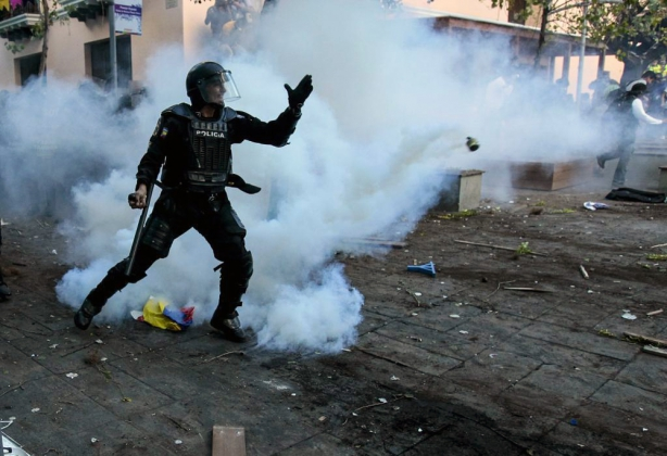 Беспорядки в Эквадоре: среди полицейских есть пострадавшие