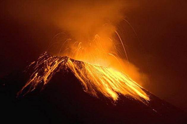 Проснулся вулкан  Котопахи.