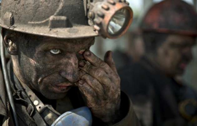 В ДНР под артобстрел попали четыре шахты, пришлось спасать сотни шахтеров