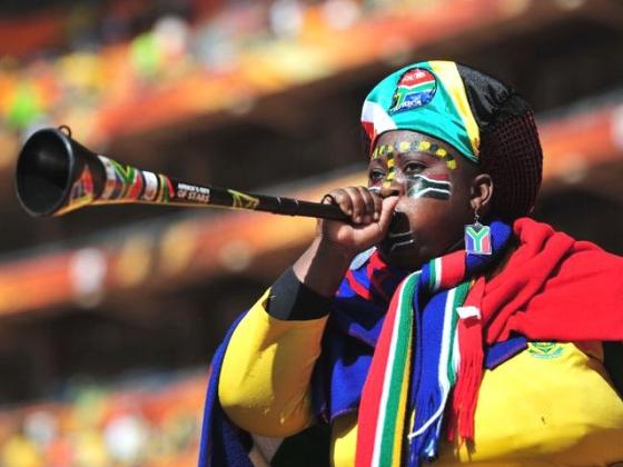 Vvuvuzela— в переводе с языка Зулу «делать шум».