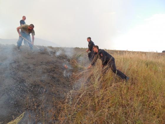 Ликвидация крупного пожара в селе Васильевка Оренбургской области.