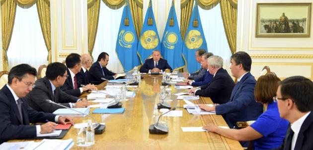 Глава Казахстана объявил мораторий на «различные инициативы до 2018 года».