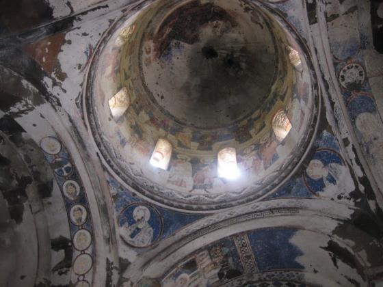 Купол армянской церкви в Карсе.