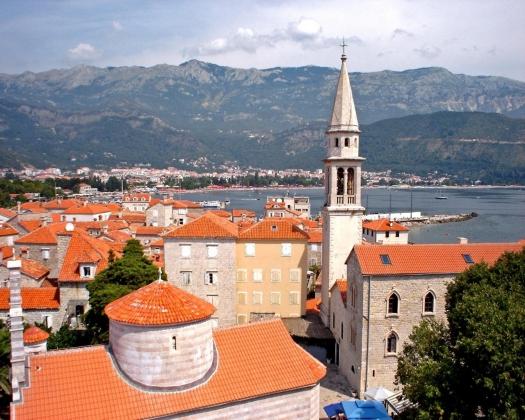 Мэр черногорской Будвы подает в отставку из-за коррупционного скандала