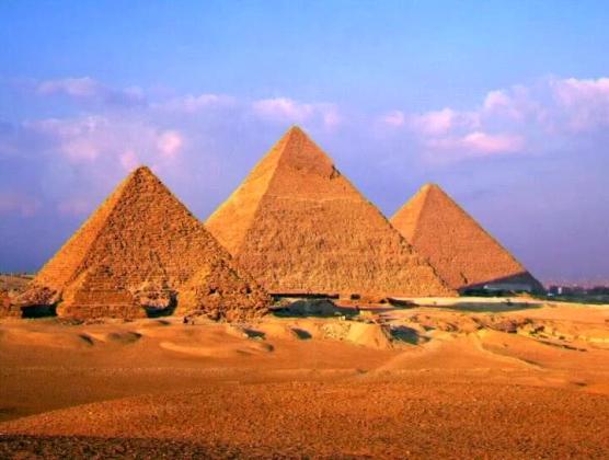 МИД РФ вновь просит российских туристов в Египте не покидать курортных зон