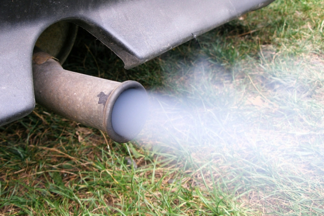 Более 90% вредных выбросов в атмосферу Москвы приходится на автомобили