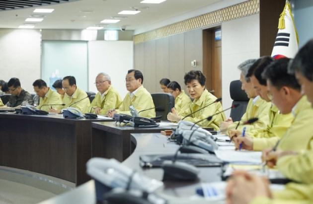 Из-за угроз КНДР лидер Южной Кореи проверила готовность военных